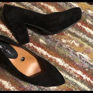 Earthies Tannow Black Suede Shoes Size 8